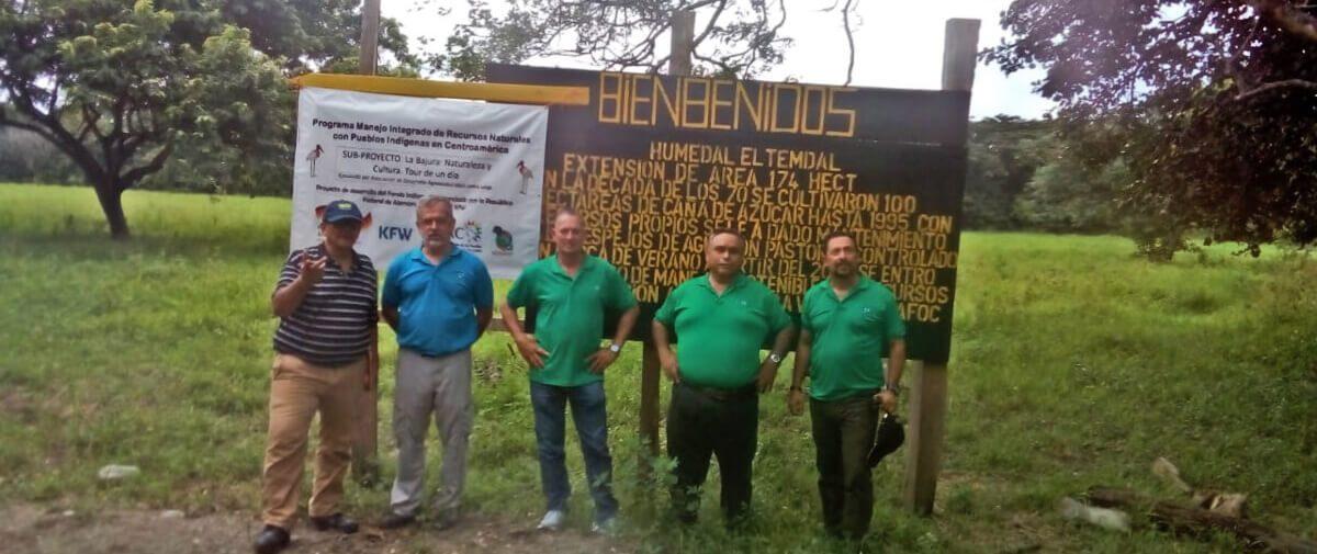 Asociación Agroecoturística Loma Larga: Promoviendo la Protección y Conservación de los Recursos Naturales.