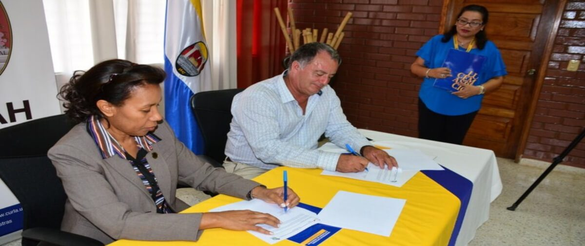 ACICAFOC y Unah-Curla, firman acuerdo para la ejecución del SubProyecto Rehabilitación del Banco De Semillas