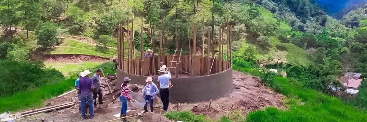 Tanque de ferrocemento una alternativa para el abastecimiento de agua en Dos Quebradas,  Copan Ruinas