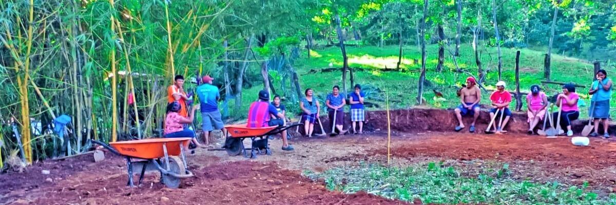 Comunidades indígenas Kakawira, avanzan en la construcción de reservorios de agua y macrotúneles
