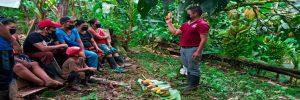 Mujeres de Fila Naranjo, se preparan para comercializar productos con valor agregado